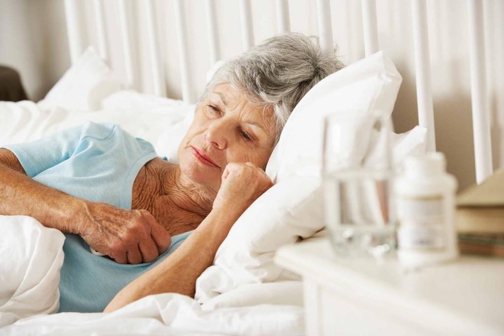 Почему пожилые люди тяжелее переносят коронавирус
